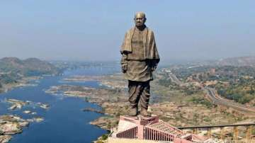 Gujarat: Statue of Unity guides return tourist's purse containing Rs 70,000 cash, earn praise for honesty